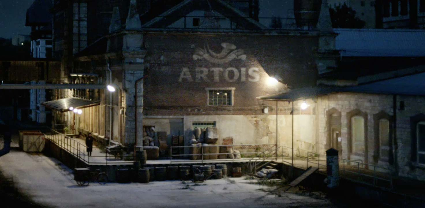 Editor's Pick: Stella's Festive Spot Explains the Story of its Birth as a Holiday Gift